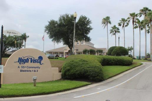 Entrance to High Vista clubhouse at Ridgewood Lakes